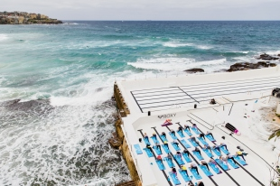 ROXY #RUNSUPYOGA Event at Icebergs Pool, 8th October 2015 Photography by Caroline McCredie